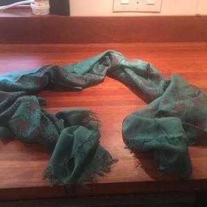 Banana republic scarf, green, silk and wool blend